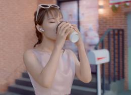为了宣传无线耳机,华为推出首支一镜到底的歌舞片