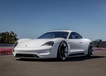 保时捷发布首款电动跑车、肖战代言小鹿茶、阿里收购网易考拉…|这周发生了什么