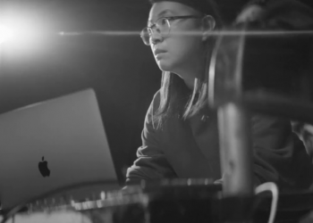 苹果MacBook Pro最新短片,前方高能!