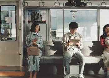 日本广告里的「跨时空之恋」,很甜很治愈