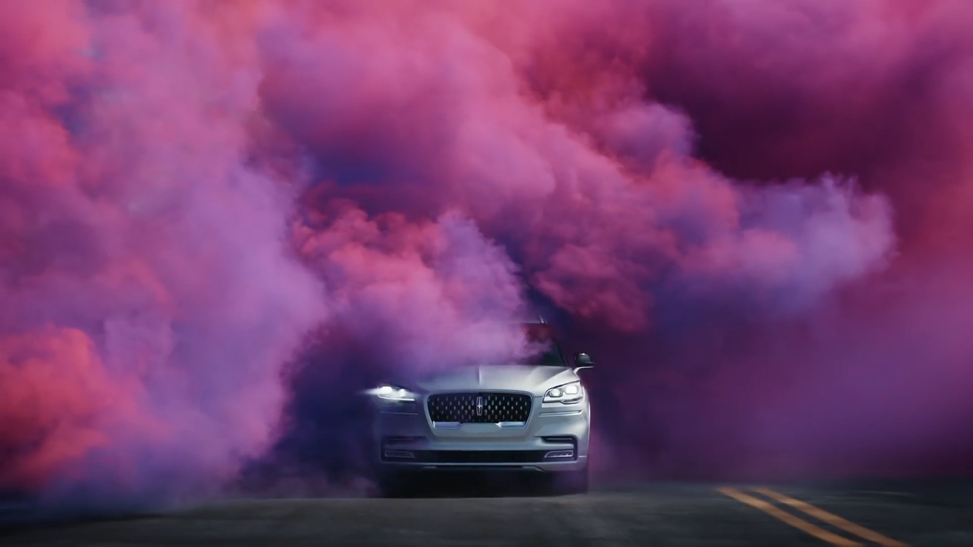 The All-New 2020 Lincoln Aviator _ Fresh Take On Movement _ Lincoln.jpg