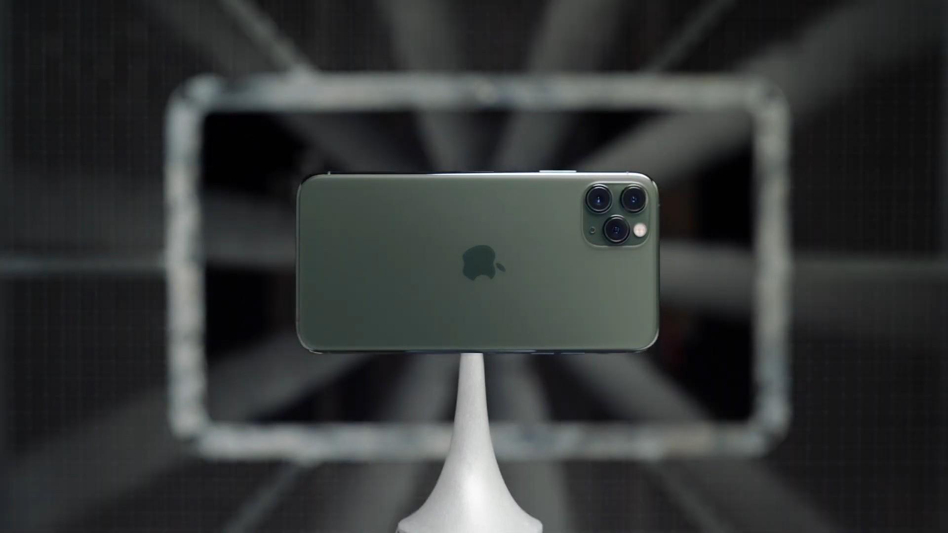 iPhone 11 Pro — Triple-camera system — Apple.jpg